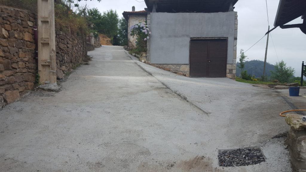 Camino reparado en junio 2017
