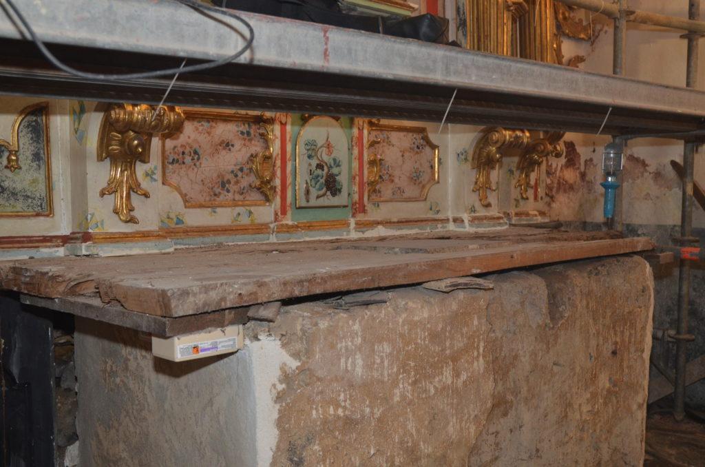 Altar04