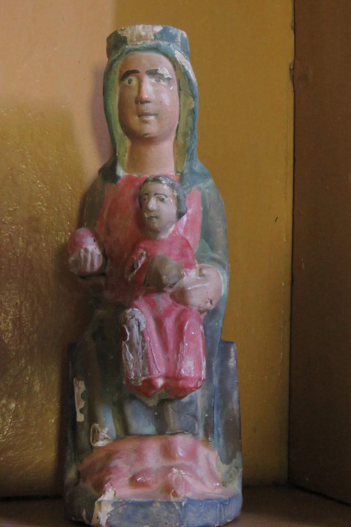 Llamas. Virgen con Niño Jesus