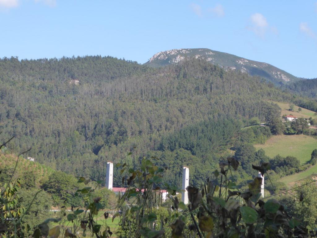 El Muxagre desde Llamas, en el límite entre Salas y Pravia