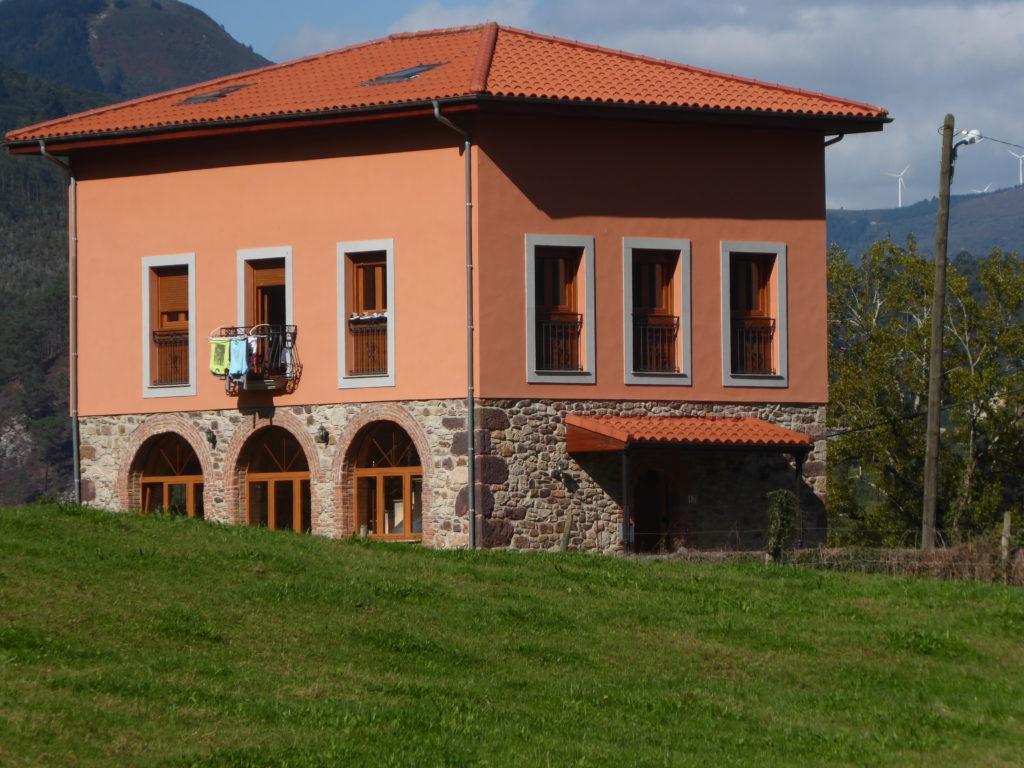 Antigua Escuela de Llamas, hoy dia vivienda particular.
